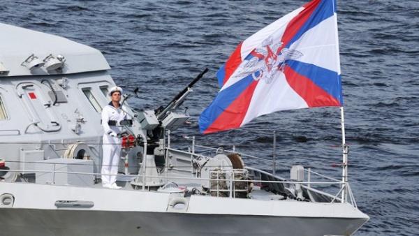 Даты: Фотографии с парада в Петербурге ко Дню ВМФ
