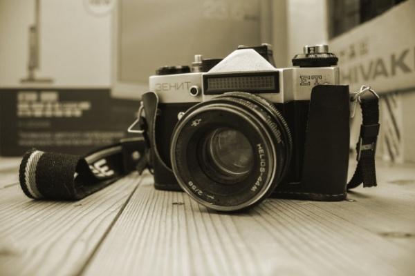 Интересное: В России возродят выпуск легендарного фотоаппарата *Зенит*