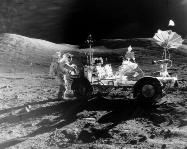 Интересное: Парковка на Луне. История луноходов