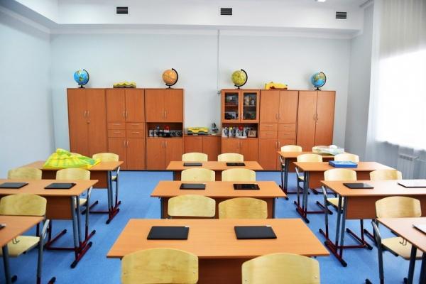 Общество: На новые школы будут выделять по 25 млрд руб в год