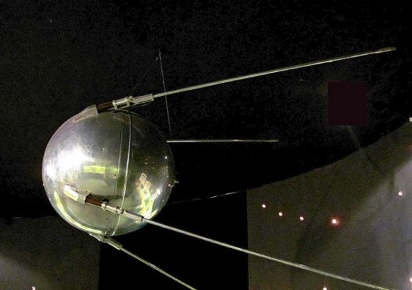 История: 60 лет Первому искусственному спутнику Земли