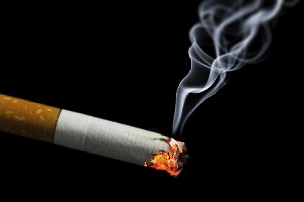 Безумный мир: Русские сигареты виновны в эстонских пожарах