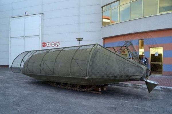 Безумный мир: Подводная лодка в степях Украины