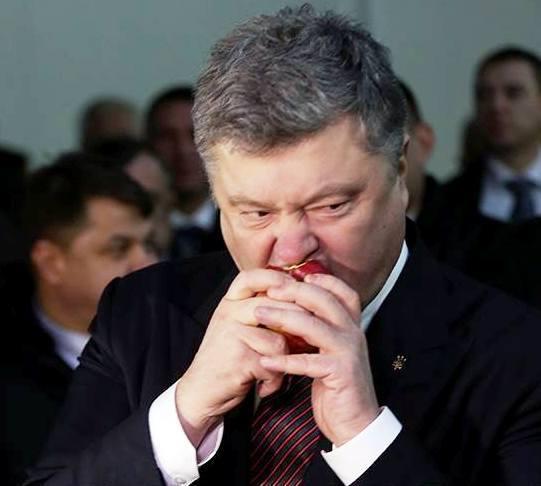 Украина: У Мемориала жертвам Голодомора в Киеве упал в обморок солдат