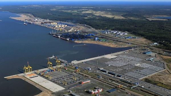 Экономика: Белоруссия подписала контракт о переправке своей нефтепродукции в обход Прибалтики, через российские морские порты