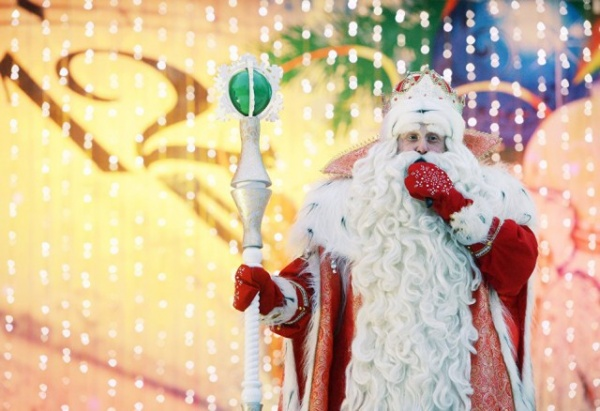 Безумный мир: Западные СМИ считают, что Дед Мороз - пьяница и развратник, придуманный Сталиным