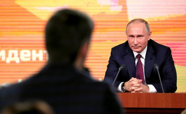 Безумный мир: Польша назвала взрыв на борту причиной крушения самолета Качиньского
