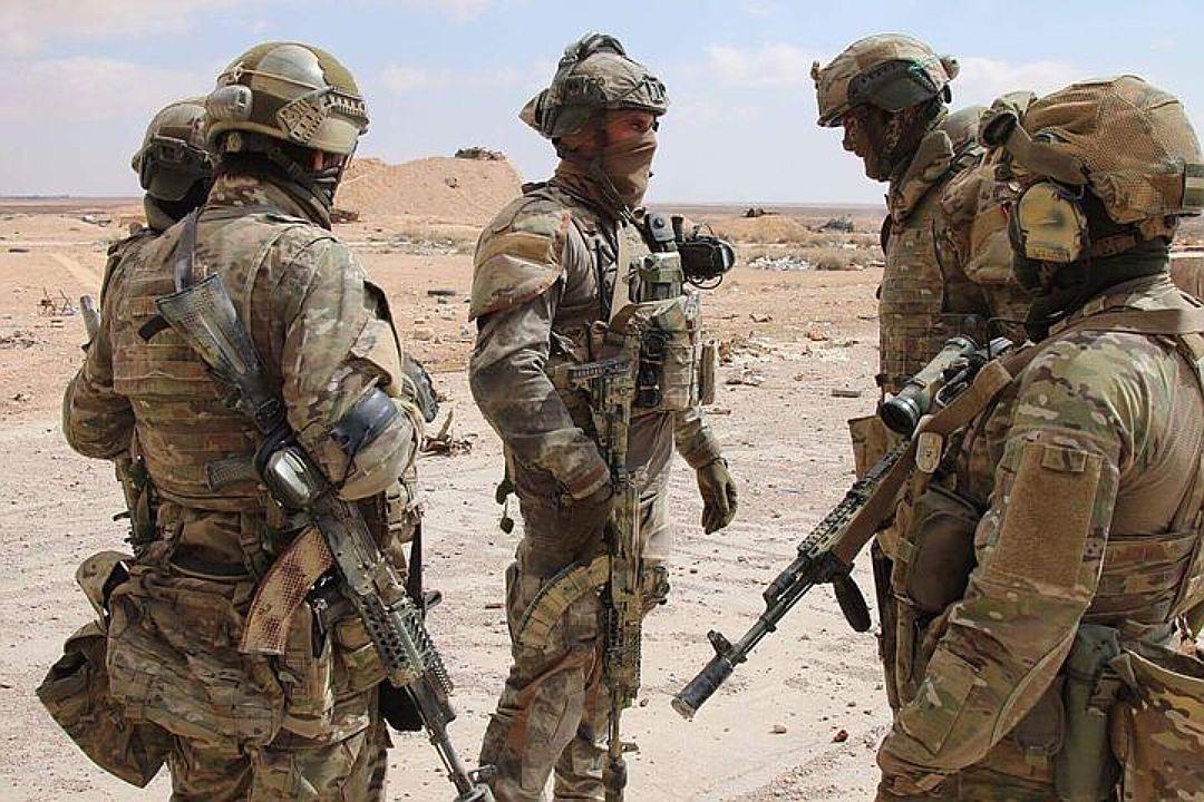 Русские военные уничтожили боевиков, атаковавших авиабазу Хмеймим вСирии