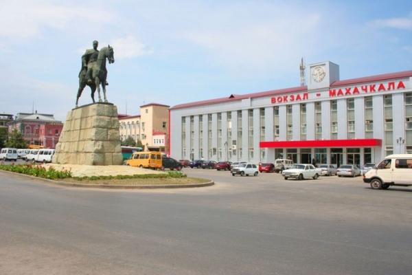 Коррупция: Мэр Махачкалы подозревается в превышении полномочий с ущербом в 80 млн рублей, возбуждено уголовное дело