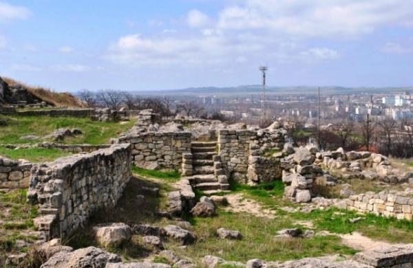 История: Таврида греческая, римская, генуэзская, турецкая, русская…