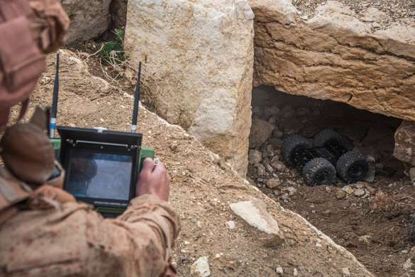 Война: Армейский спецназ оснастили роботами разведки: Сфера и Скарабей