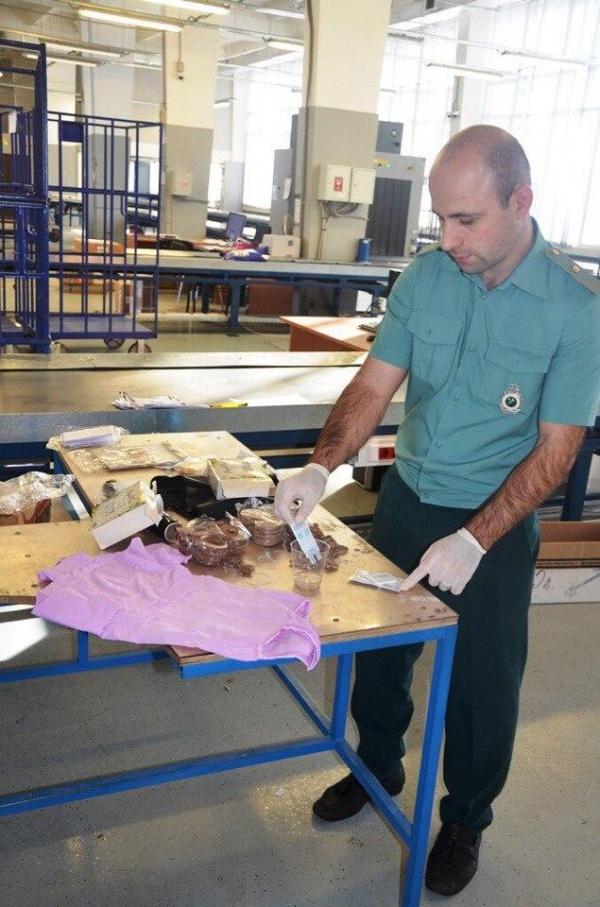 Криминал: Колумбийские барыги прислали на Урал килограмм кокаина в креме для депиляции