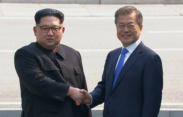 Политика: Ким Чен Ын выехал из Пхеньяна для участия в саммите с Южной Кореей