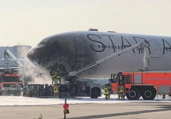 Происшествия: В аэропорту Франкфурта загорелся самолет