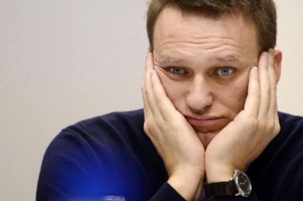 Общество: Навальный переобулся - раньше он выступал за увеличение пенсионного возраста,  теперь - против:-)