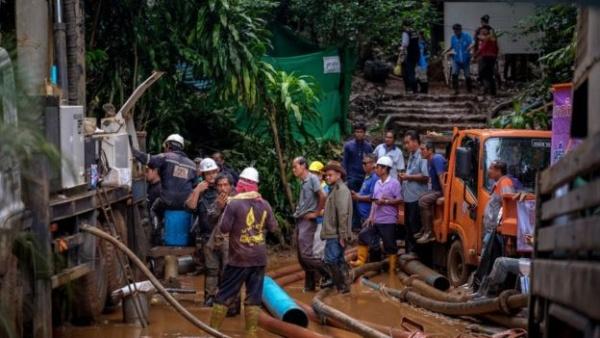 Происшествия: В Таиланде нашли детскую футбольную команду, потерявшуюся в пещере