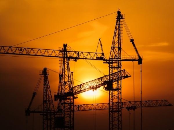 Реклама: От фундамента до крыши, или сезон строительных работ