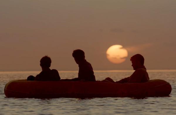 Интересное: Как выжить в океане после кораблекрушения