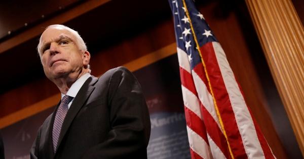 Личность: Умер Джон Маккейн
