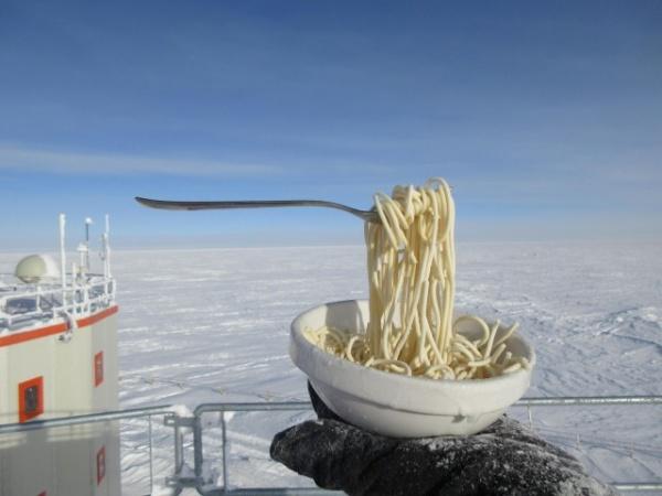 Природа: Антарктическая станция Конкордия. -60С