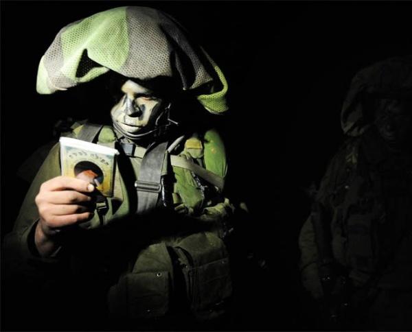 Война: Что за мешки на головах израильских солдат?