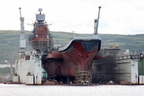 Происшествия: На 82-м судоремонтном заводе в Рослякове затонул плавучий док ПД-50