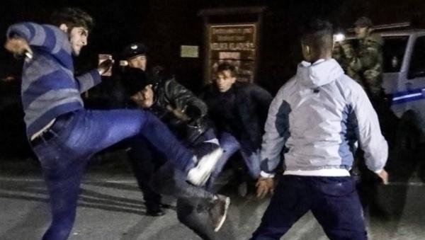 Происшествия: В ЕС прорываются двадцать тысяч вооруженных нелегалов