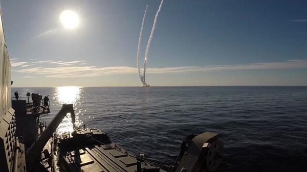 Даты: Сегодня в России отмечается День моряка-подводника Военно-Морского Флота