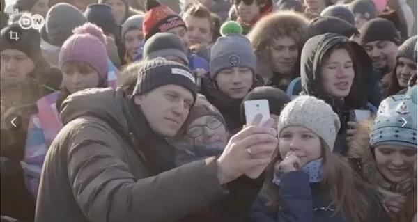 Право и закон: В Калининграде впервые вынесли наказание за вовлечение подростков в митинги) \навальный и школота/