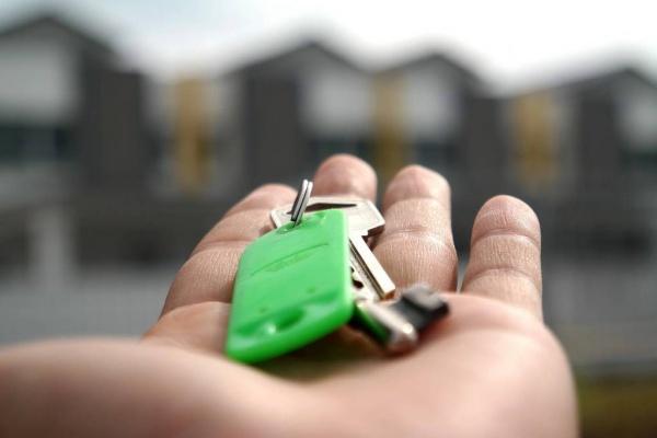 Право и закон: Ипотечные каникулы распространят на все кредиты, в том числе взятые до вступления соответствующего закона в силу