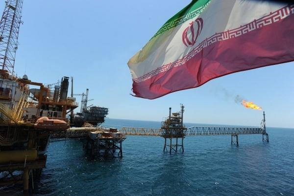Экономика: Тухлый гегемон:  Америка запретит покупать иранскую нефть
