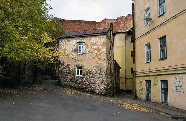 Интересное: Самый старый жилой дом в России