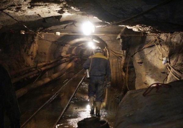 Происшествия: Российские спасатели прибыли на место аварии на шахте «Схидкарбон» под Луганском