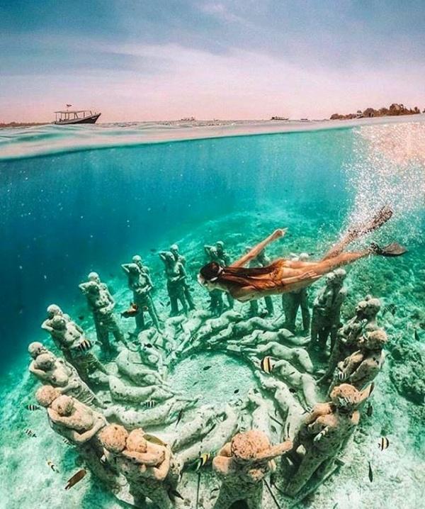 Интересное: Как красиво под водой