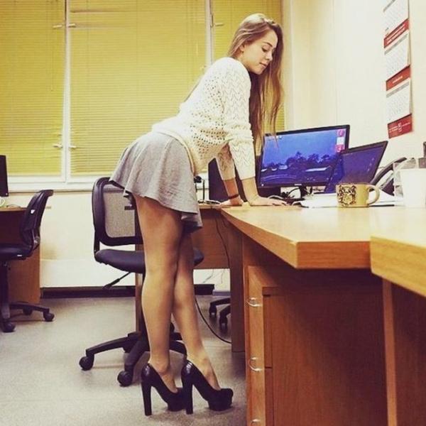 Картинки: Офисные девочки:-)
