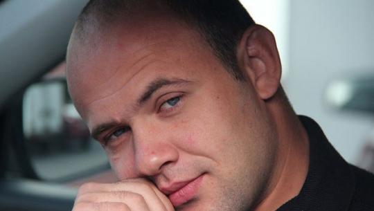 Криминал: Заступился за беременную: чемпиона по борьбе убили в Москве