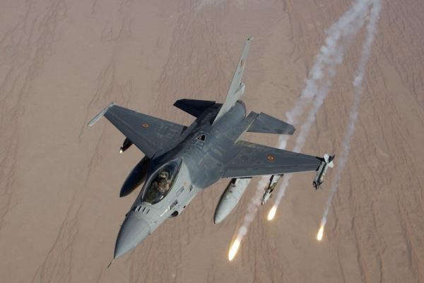 Происшествия: Во Франции разбился бельгийский истребитель F-16