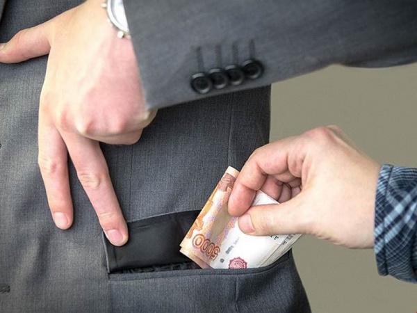 Право и закон: Конституционный суд разрешил изымать имущество у семей коррупционеров