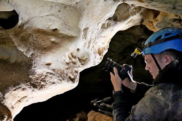 Интересное: В Крыму открыли для движения трассу над пещерой *Таврида*