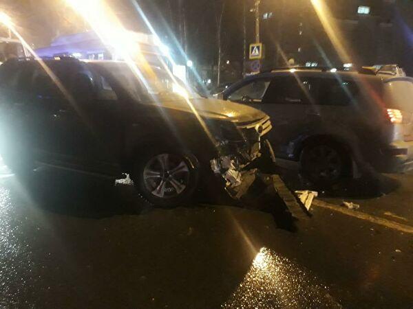 Происшествия: В Нижнем Новгороде автомобиль сбил десять детей на тротуаре