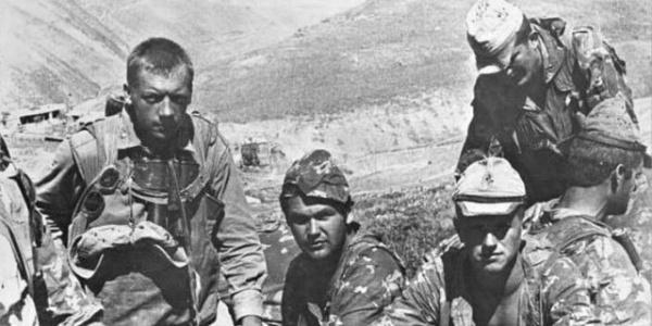 Война: Войны во Вьетнаме и Афганистане: разлученные близнецы