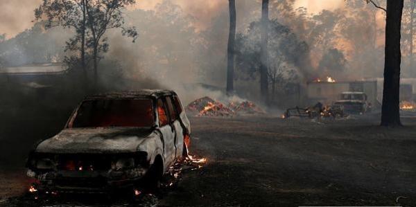 Происшествия: Австралия в огне: тысячи людей спасаются бегством к морю
