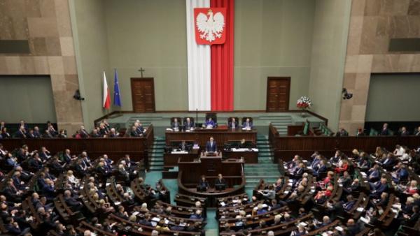 Политика: Die Zeit: в «борьбе против лжи» Польша запретит России трактовать историю по-своему