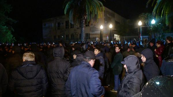 Кавказ: Президент Абхазии Хаджимба ушёл в отставку