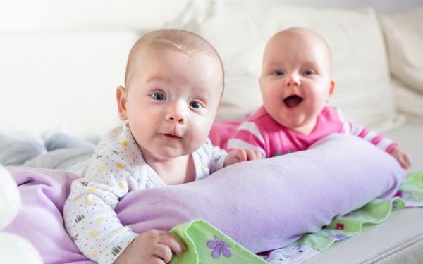 Общество: Путин поручил выдавать маткапитал при рождении первого ребенка