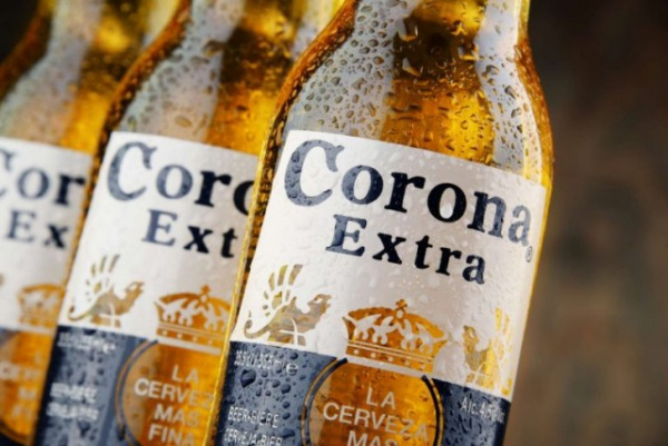Безумный мир: Американцы думают, что коронавирус как-то связан с пивом Corona