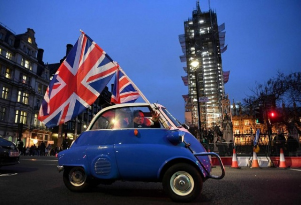 Страны: Британия отпраздновала выход из ЕС