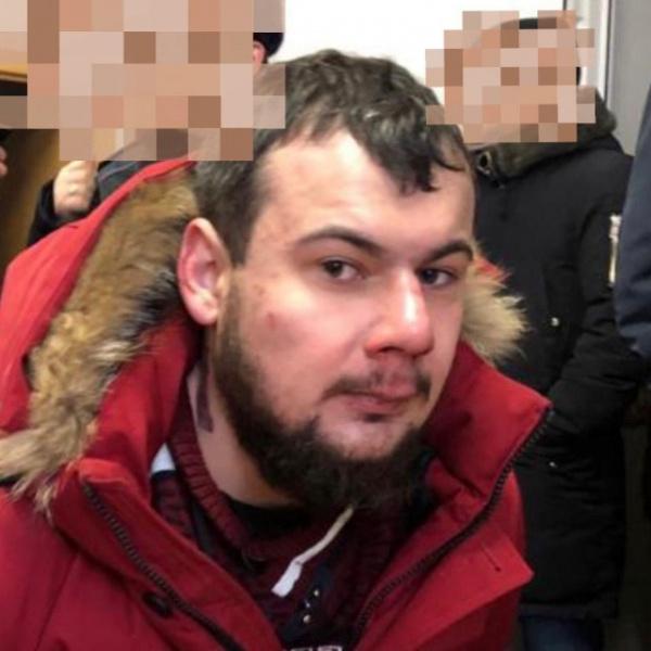 Происшествия: На прихожан храма в столице напал мужчина с ножом