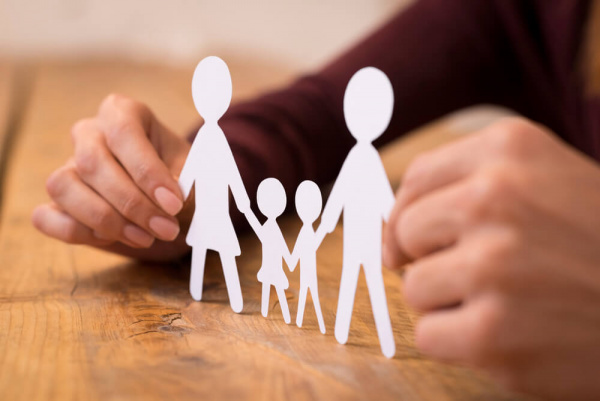 Общество: Как стать приемными родителями