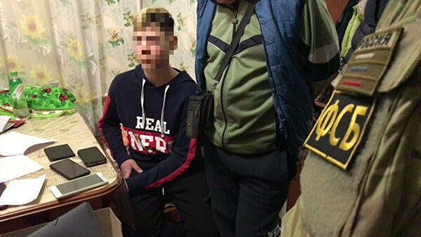Терроризм: ФСБ пресекла в Керчи теракты, готовившиеся малолетками